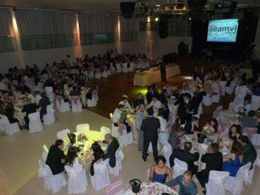 Noite de homenagens e muita confraternização no Jantar Dançante