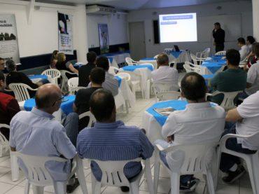 Palestra sobre instalações em estabelecimentos de saúde