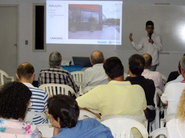 Palestra sobre pisos e revestimentos da Tecnogran aos Associados da AEAMVI
